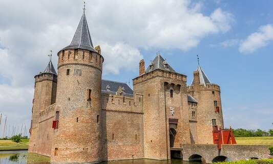 Netherlands: The stories behind the castles