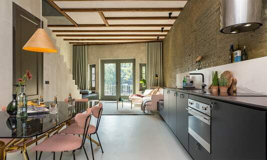 HUT: Plug & play serviced apartments in the heart of Amsterdam