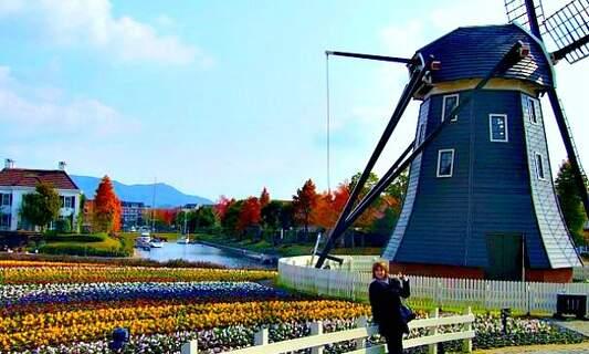 Huis ten Bosch, the Dutch-style theme park in Japan