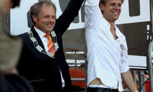 Armin van Buuren: Officer in the Order of Oranje-Nassau