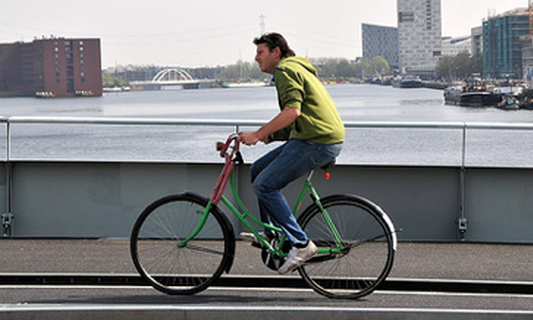 People who live in cities exercise more