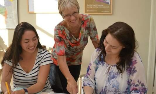 Win a free Dutch or English language course at Kickstart School