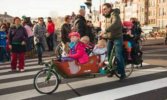 Win 3 copies of 'The Dutch & Their Bikes' by Shirley Agudo!