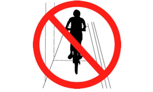 70 euros fine for cycling on sidewalks