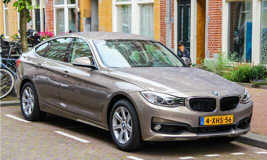 How to bring your car to the Netherlands