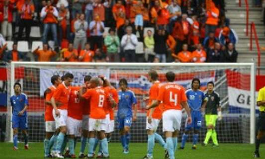 Does sport bring people in the Netherlands together?