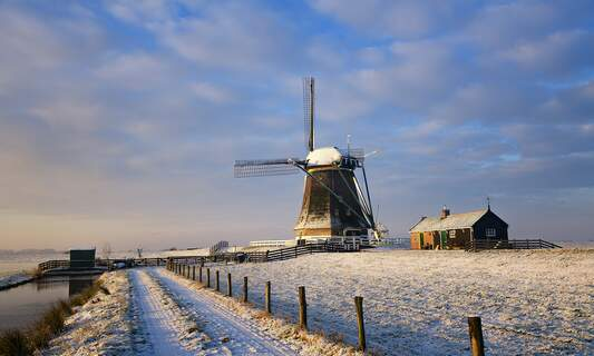 First snowfall of the winter season in the Netherlands