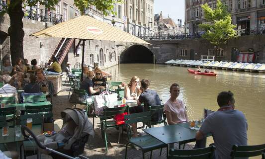 Some Utrecht bars to reopen as part of Dutch government's trial
