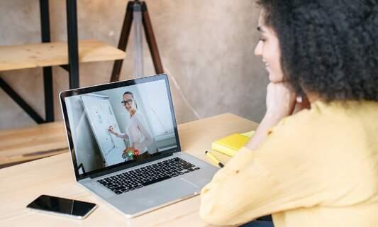 Improve your language skills online with UvA Talen