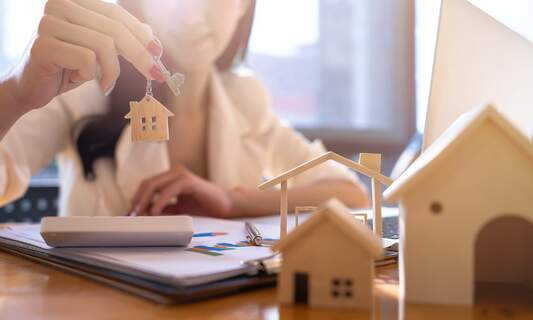 Independent Expat Finance: Why you should buy a house instead of renting