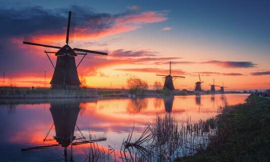 Amazing sunsets as Sahara dust moves over the Netherlands