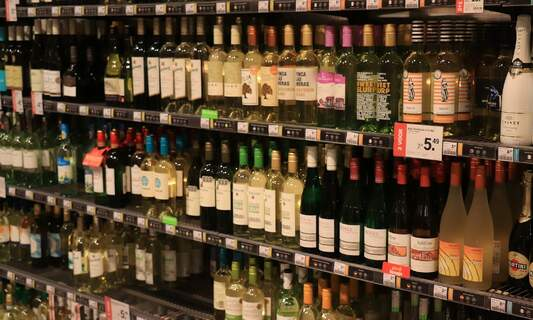 Supermarket discounts capped at 25 percent for alcohol from July