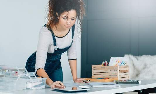 Take art classes from the comfort of home