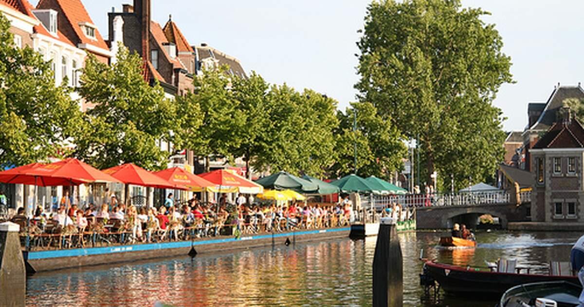Water buses in Leiden