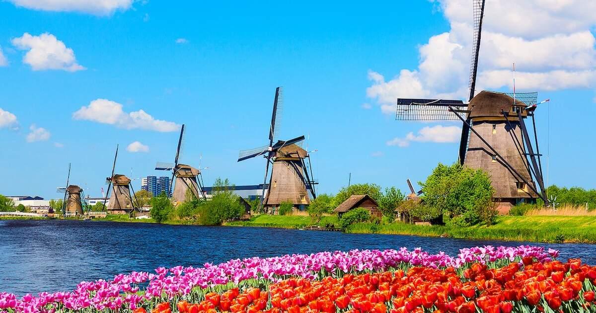 windmills at kinderdijk 1.