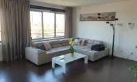 Modern and spacious furnished apartment in Kop van Zuid neighbourhood - Upload photos