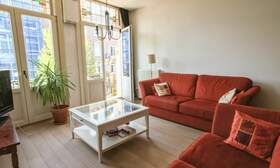 €1,650 / 2br - 75m2 - Furnished 2 Bedroom Apartment from 1 June (Amsterdam Old South) - Upload photos