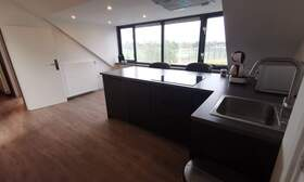 Lux apartment, centrally located in a green area. - Upload photos